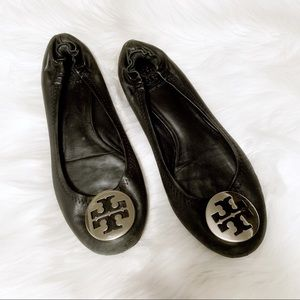 Tory Burch Black Flats With Silver Logo Size 7